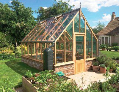 The Bramshall Cedar Greenhouse, 7,5 m2. Pris: 66.000 kr inkl moms och frakt. Kampanjpris: 52.800 kr