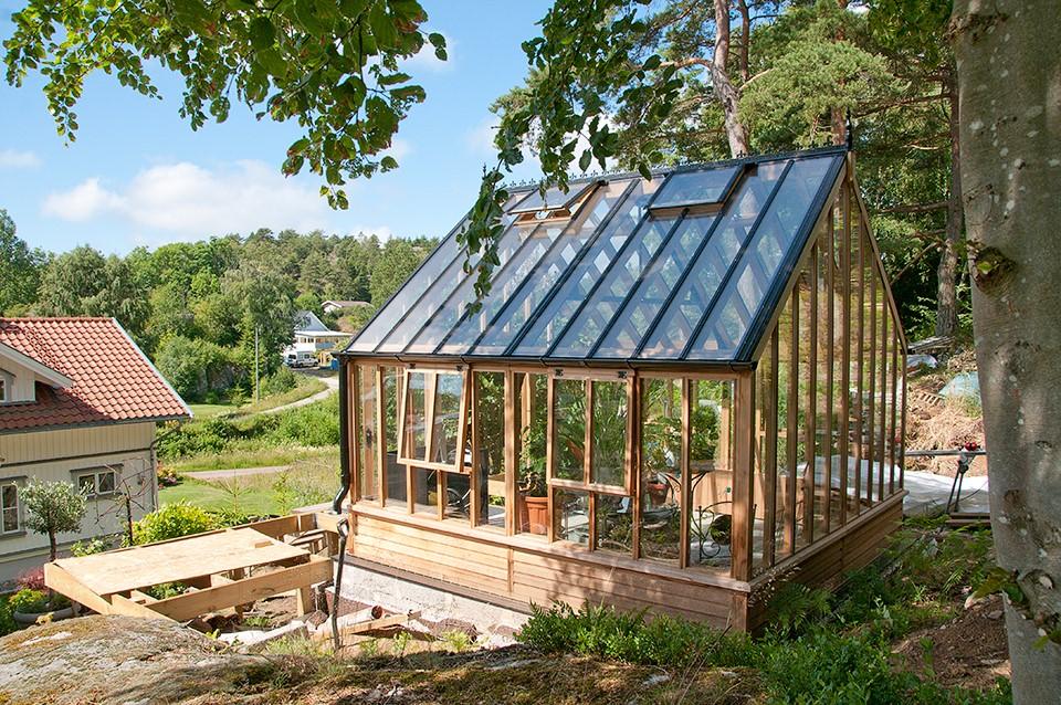 Orangeri i cederträ från Garden & Greenhouse